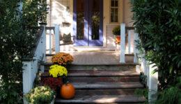 DIY. Restoring an old Victorian house. Victorian wraparound front porch. Color scheme.