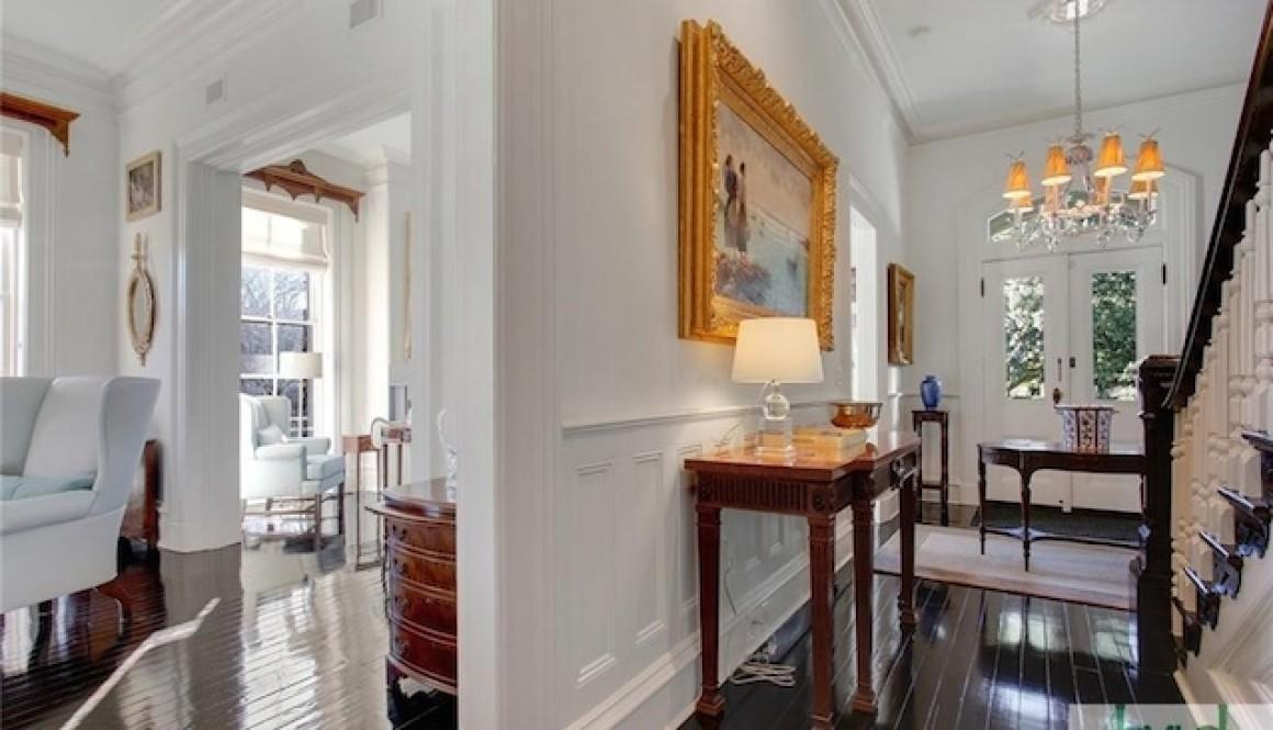 Tour an 1884, Italianate mansion in Savannah.
