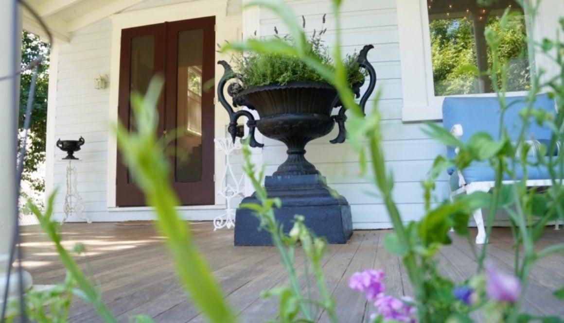 pair cast iron antique garden urns 3